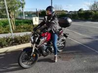 Honda CB125R rouge volée