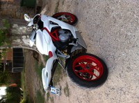 Mv agusta f3 blanche jantes rouges