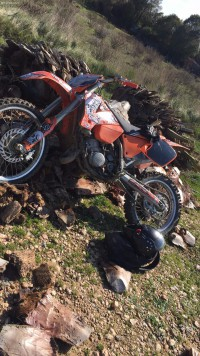 vol d un cross KTM 125 CM3