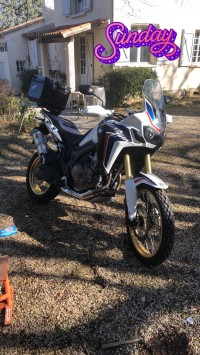 Vol Honda Africa twin