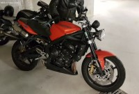 Vol triumph street triple r orange 2009