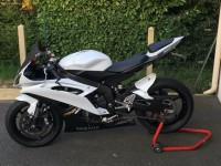 Volé : Yamaha R6 blanc et noir