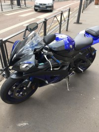 Yamaha R6 bleue 2009